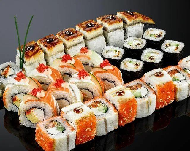 Доставка суши для большого ужина